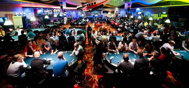 Poker Online Uang Asli Android Resmi Indonesia